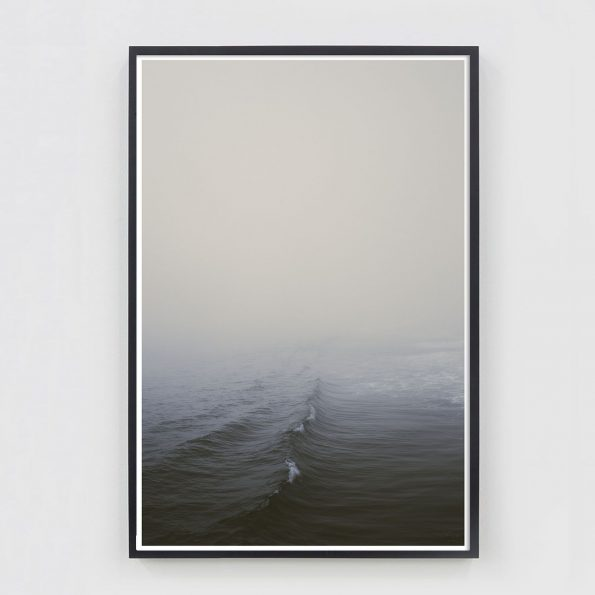 minimal ocean wave photo