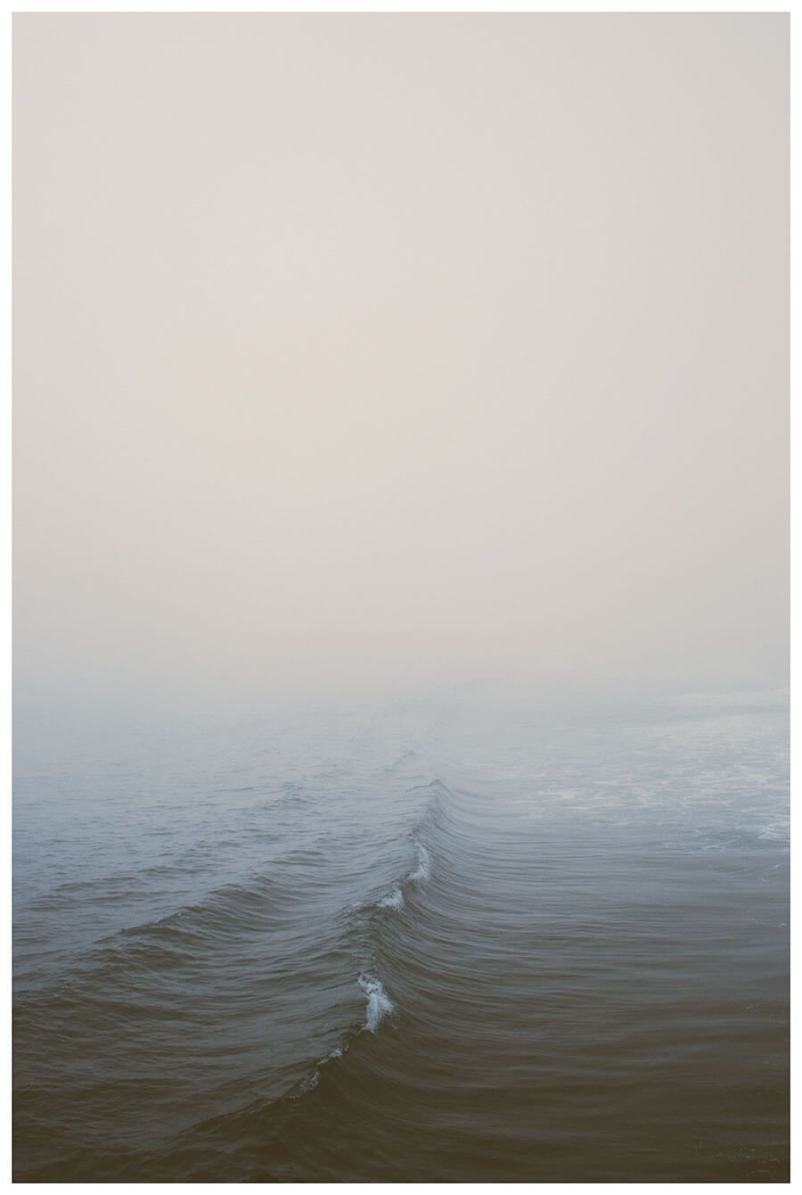 minimalist ocean photo